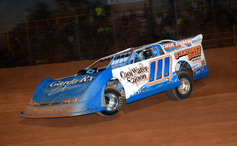Matt Lux of Franklin scored his first win of the season on the final night of regular racing at Lernerville Speedway