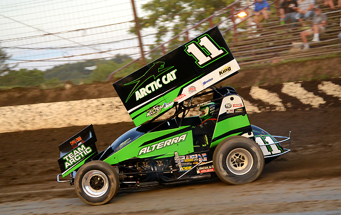 The King of the Outlaws Steve Kinser announced his retirement from racing Monday night