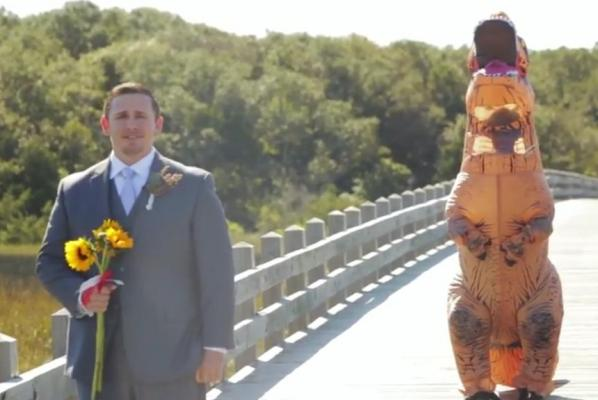 North-Carolina-groom-surprised-by-bride-in-T-rex-costume