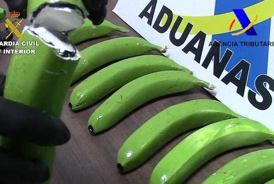 Fruit-shipment-contained-57-fake-bananas-filled-with-cocaine
