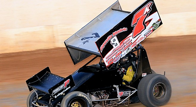 After winning the last race at Lernerville and a top five with the All-Stars, Dan Shetler looks to continue his hot streak this weekend. Photo by Rick Rarer.
