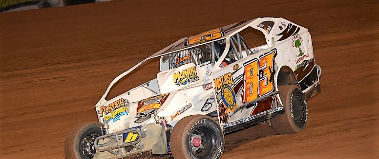 Rocky Kugel on his way to his 3rd consecutive Lernerville win in RUSH modified competition. Photo by Rick Rarer.