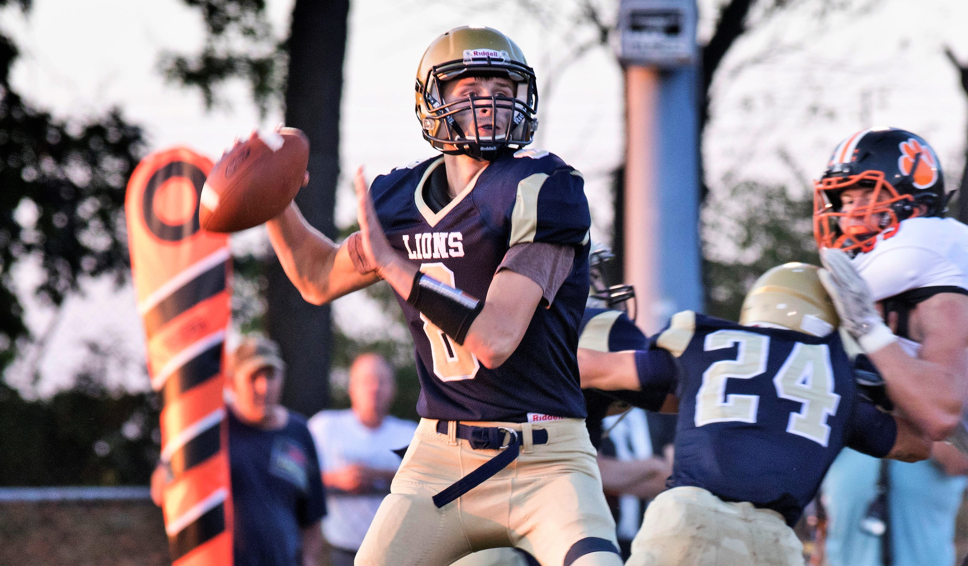 C-L quarterback Brenden Makray. Photo by Kyle Yates. Check out more of Yate's work at www.facebook.com/YatesPhoto
