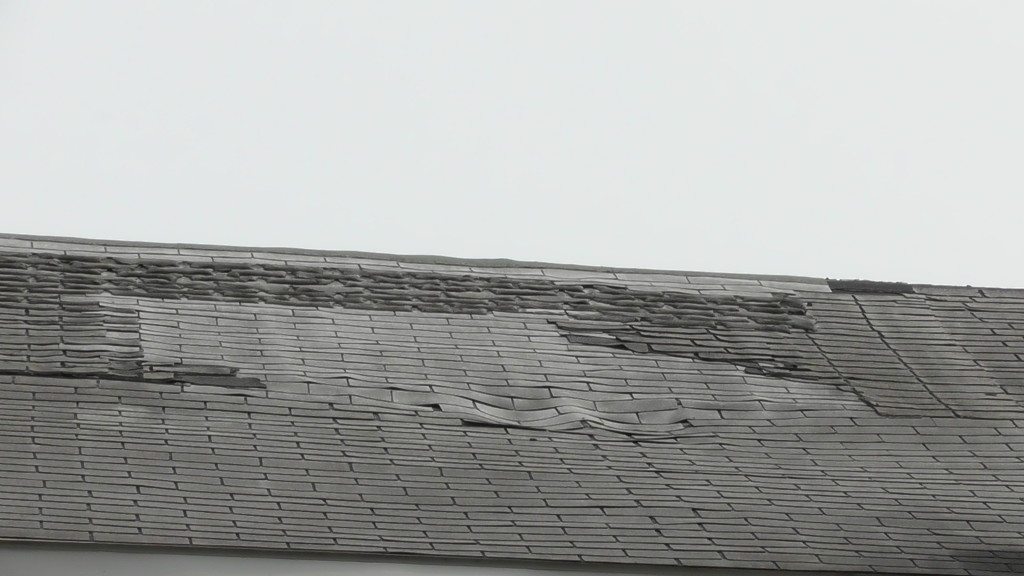Wallyboe's roof damage 2