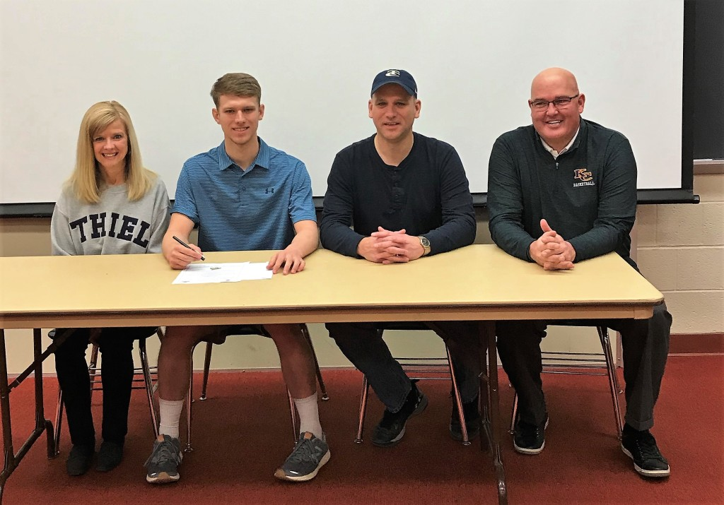 Logan Pistorious Karns City signs with Thiel