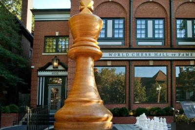 Worlds-largest-chess-piece-constructed-in-St-Louis