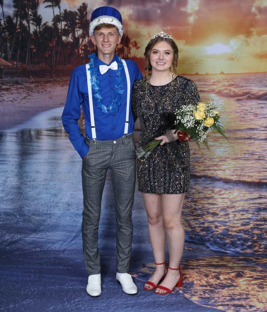 37226ce1d6f Weaver and Rivers Crowned Keystone Homecoming Royalty ...