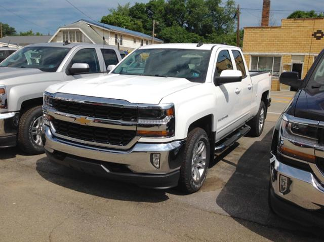 White 2018 Chevy 1500