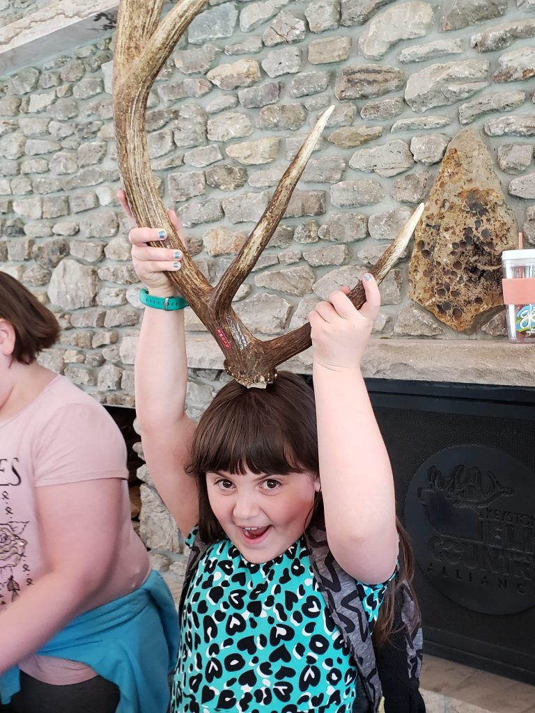 Elk-Country-Visitor-Center-Field-Trip-Kids-13-e1557756029189