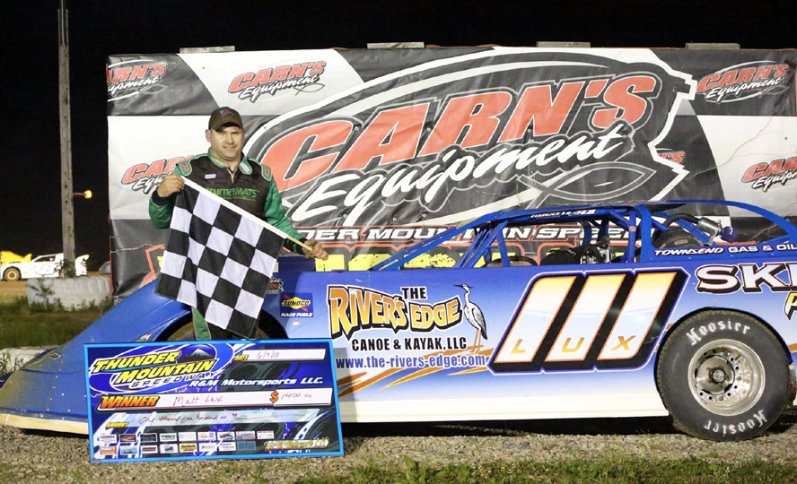 Franklin's Matt Lux was back in victory lane Friday at Thunder Mountain Speedway (Penny Kay Photo)