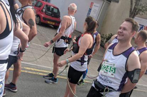 Runners-break-record-for-most-runners-linked-to-complete-a-marathon