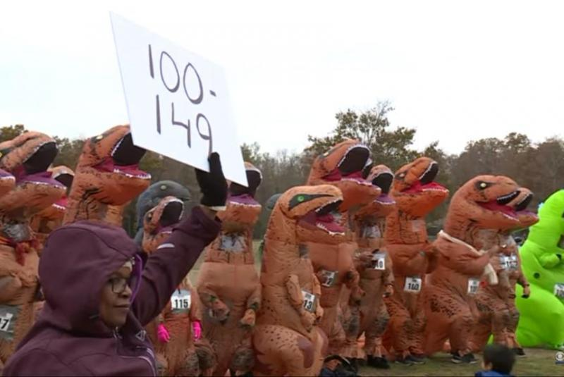 175-don-T-Rex-costumes-for-annual-Virginia-run