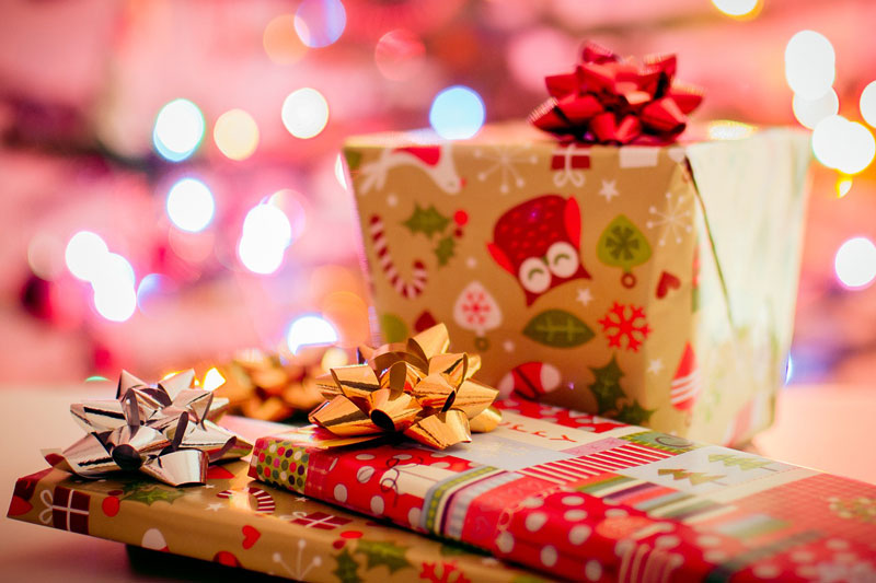 Christmas-gifts-presents-stock