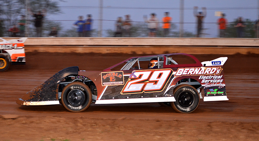 Curt Bish of Oil City took home over ten thousand dollars for winning the Steel Valley Nationals. (Rick Rarer Photo)