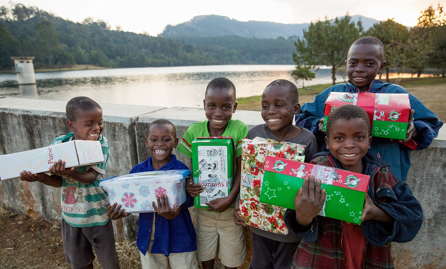 shoebox distribution at Mulunguzi Dam in Zomba, Malawi