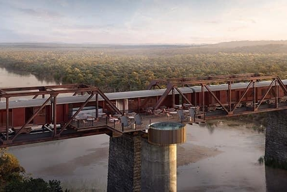 Train-parked-on-bridge-in-South-Africa-becomes-luxury-hotel