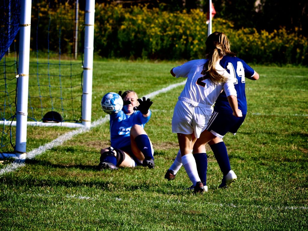 Lexi Coull scores on Brookville