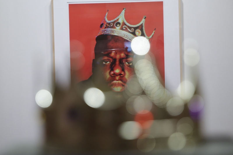 Sale-of-Notorious-BIGs-plastic-crown-sets-Guinness-record
