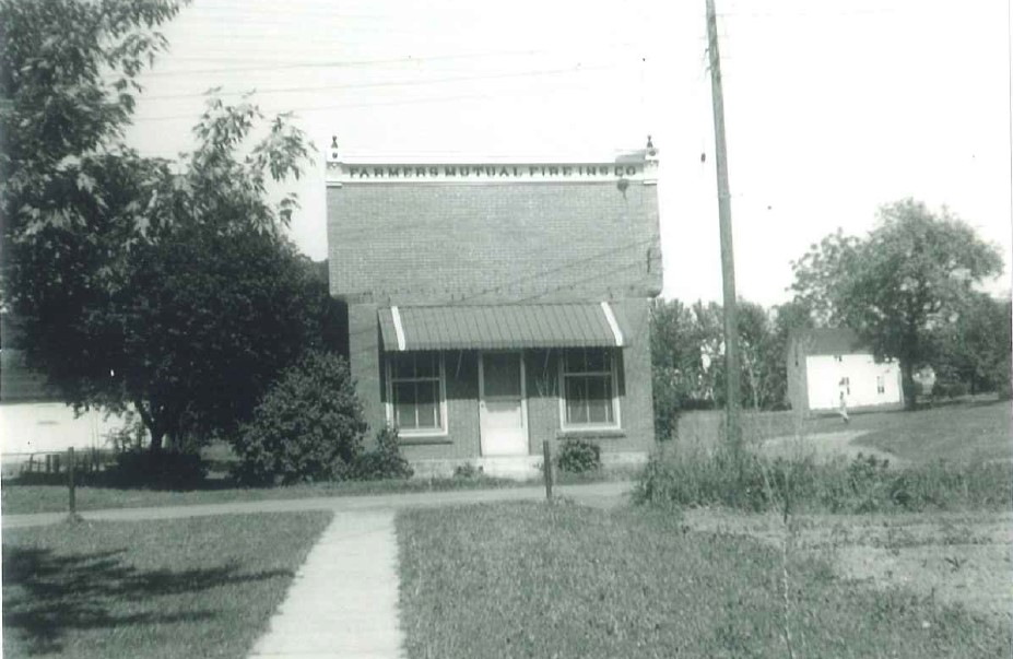 1961 photo of Farmers of Marble office building.