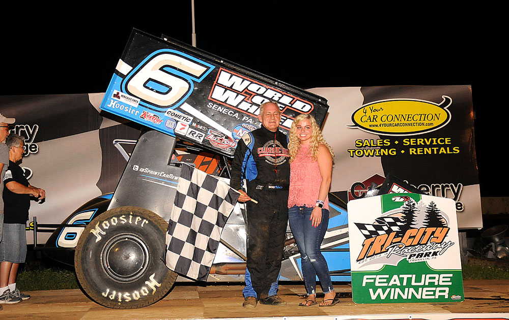 Bob-Felmlee-returned-to-victory-lane-at-Tri-City-with-a-popular-win-(Rick-Rarer-photo)