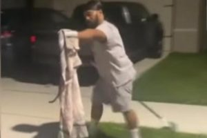 Florida-man-who-caught-gator-in-trash-can-removes-snake-from-house
